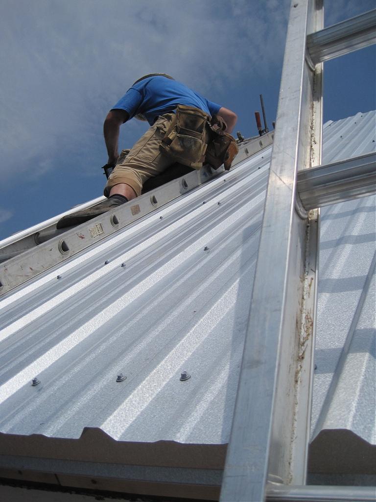 installing-corrugated-metal